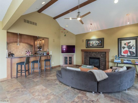 Residential, Ranch - Johnston, IA (photo 5)