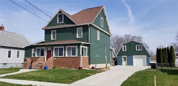 Over 2 Stories, Single Family - Marengo, IA (photo 1)