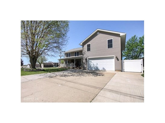 Residential, Two Story - Pleasantville, IA (photo 3)