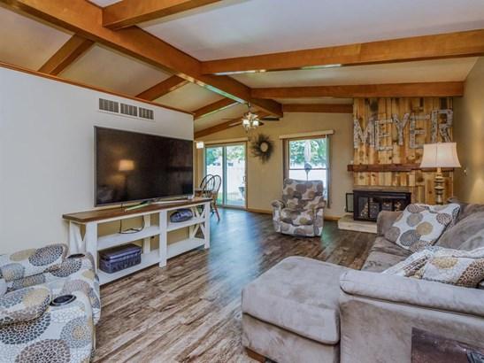 Ranch, Single Family - Van Horne, IA (photo 2)