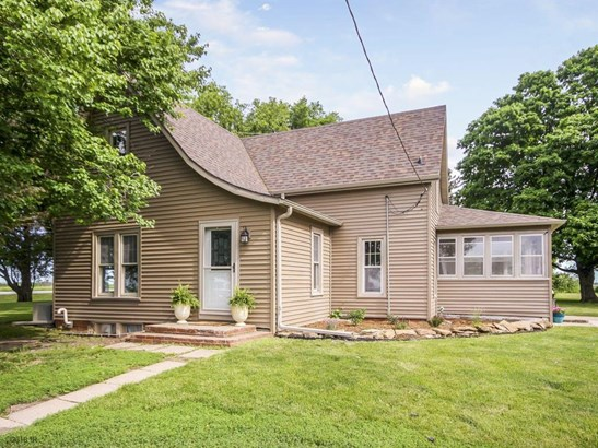 1.5 Story, Residential - Knoxville, IA (photo 1)