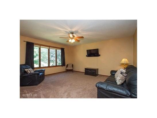 Residential, Split Foyer - Grinnell, IA (photo 2)