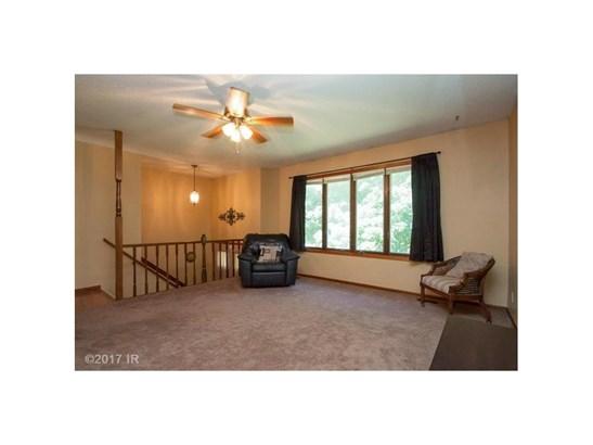 Residential, Split Foyer - Grinnell, IA (photo 3)