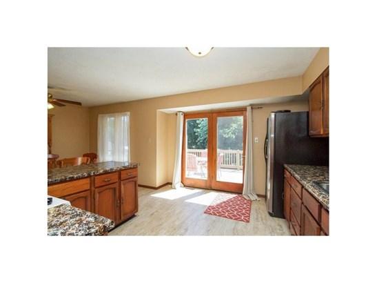 Residential, Split Foyer - Grinnell, IA (photo 4)