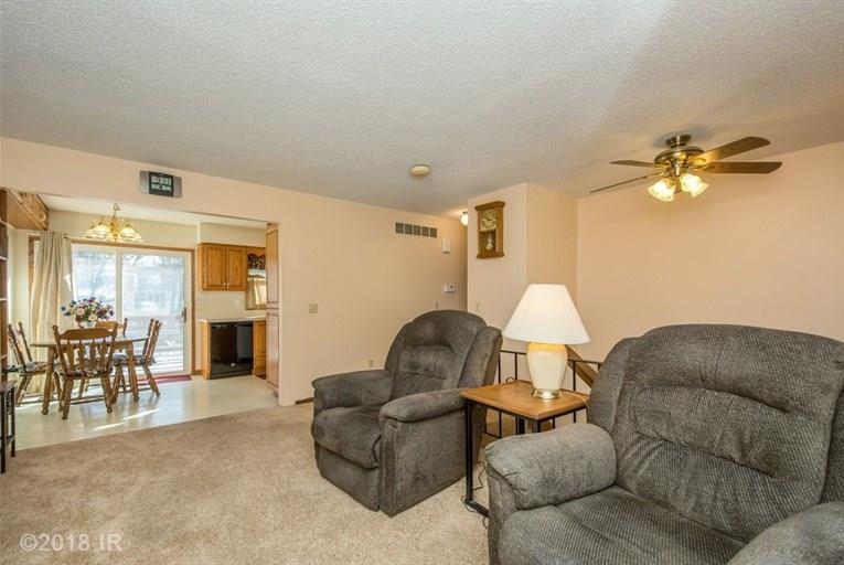 Split Level, Residential - Des Moines, IA (photo 2)