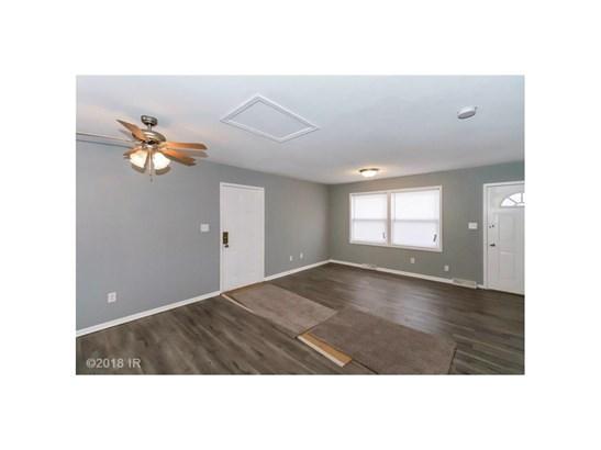 Split Level, Residential - Des Moines, IA (photo 5)