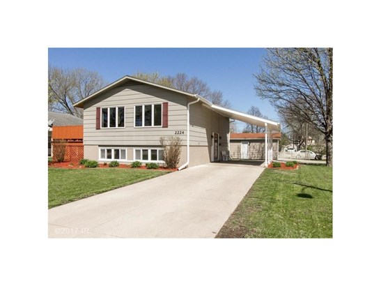 Split Level, Residential - Perry, IA (photo 1)