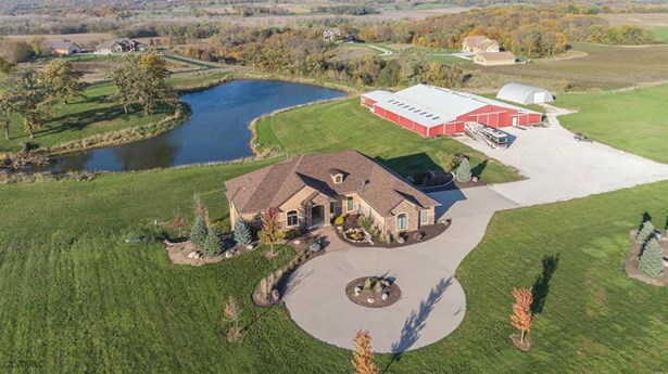 Acreages, Ranch - Adel, IA
