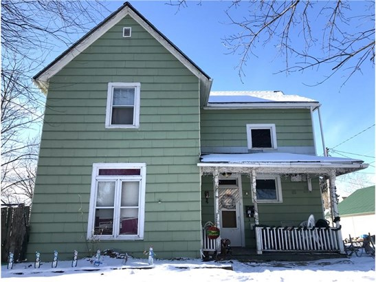 Two Story, Cross Property - Knoxville, IA (photo 1)
