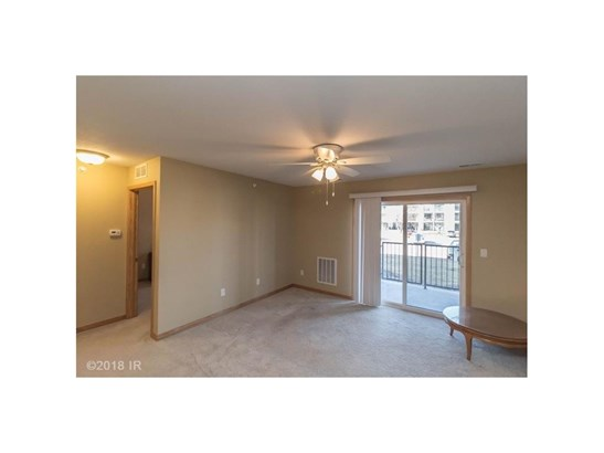 Condo-Townhome, Apartment Style - Urbandale, IA (photo 3)