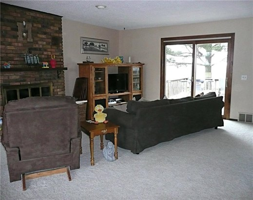 Split Level, Residential - Knoxville, IA (photo 2)