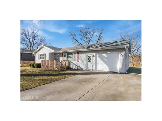 Residential, Ranch - Mitchellville, IA (photo 2)