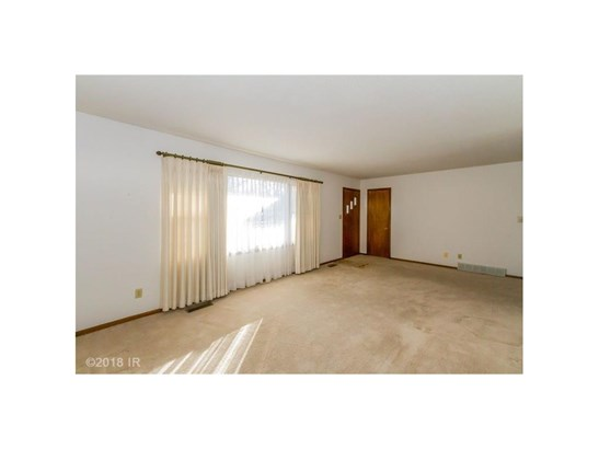 Residential, Ranch - Mitchellville, IA (photo 4)