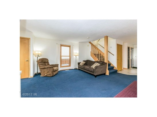 Residential, Two Story - Des Moines, IA (photo 4)