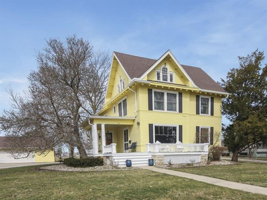 Residential, Two Story - Winterset, IA (photo 2)