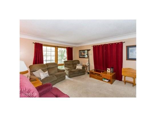 Residential, Split Foyer - Windsor Heights, IA (photo 2)