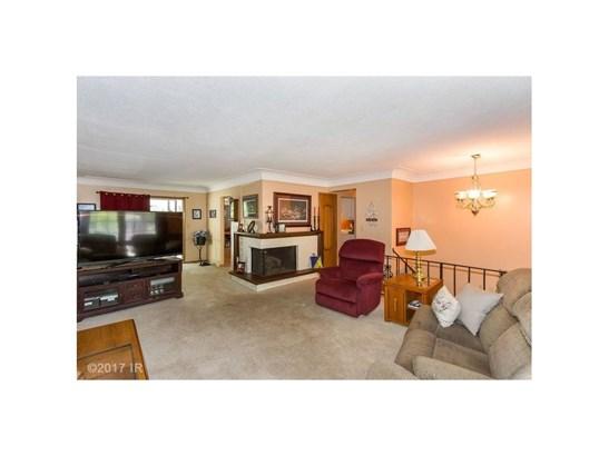 Residential, Split Foyer - Windsor Heights, IA (photo 4)