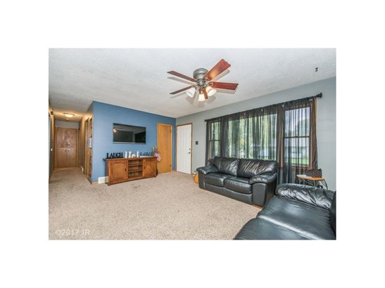 Residential, Ranch - Des Moines, IA (photo 4)