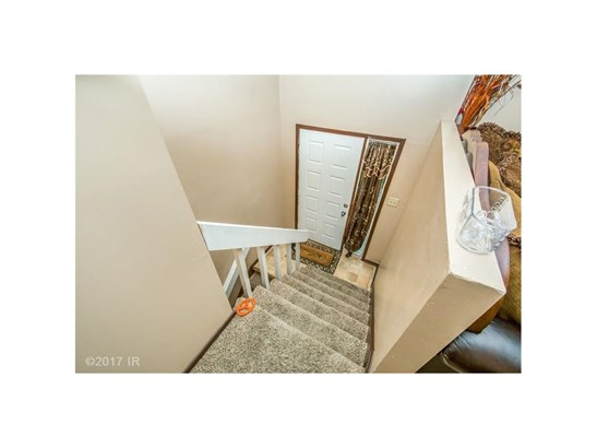 Residential, Split Foyer - Des Moines, IA (photo 2)