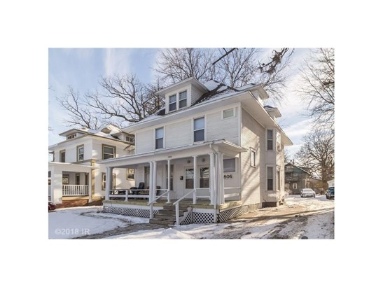 Two Story, Cross Property - Des Moines, IA (photo 1)