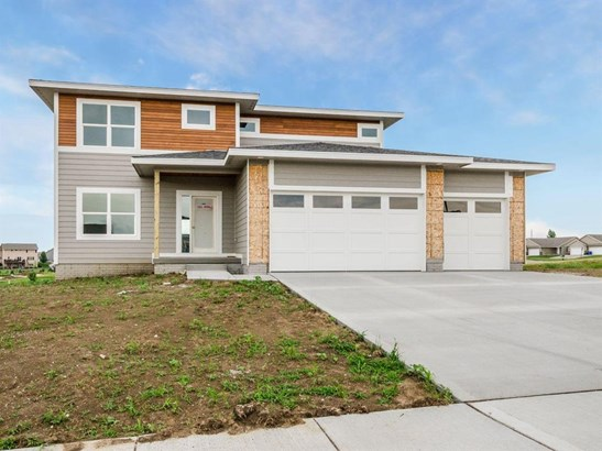 Residential, Two Story - Van Meter, IA (photo 1)