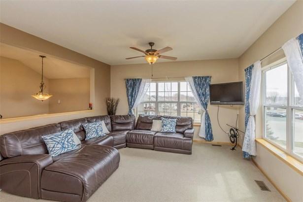 Split Foyer, Single Family - Cedar Rapids, IA (photo 3)