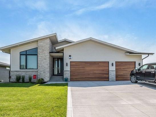 Residential, Ranch - Waukee, IA (photo 1)