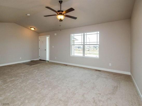 Residential, Ranch - Van Meter, IA (photo 3)