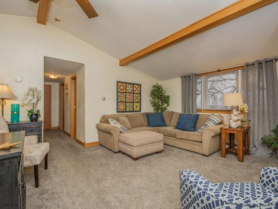 Residential, Ranch - Pleasant Hill, IA (photo 3)