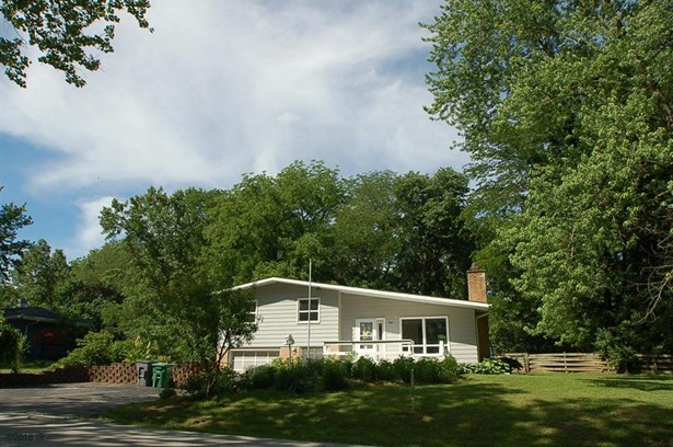 Split Level, Residential - Carlisle, IA (photo 1)