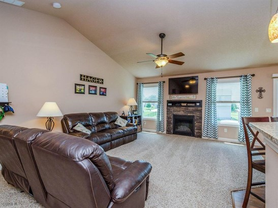 Residential, Ranch - Granger, IA (photo 2)