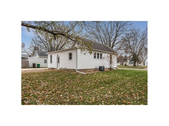 Residential, Bungalow - Winterset, IA (photo 2)