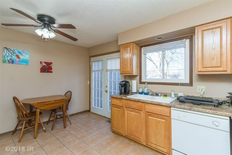 Residential, Bi-Attached - Des Moines, IA (photo 3)