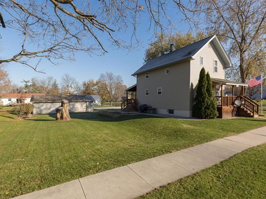 Residential, Two Story - Earlham, IA (photo 2)