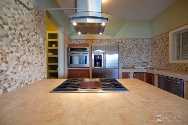 Stone-lined kitchens (photo 3)