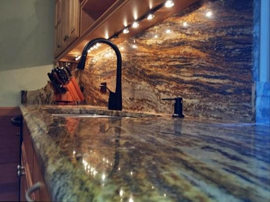 Kitchen - Beautiful Granite Finishes (photo 2)