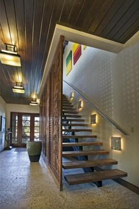 Stairway (photo 4)