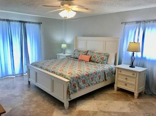 Master Bedroom (photo 1)