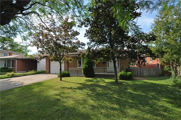 7 Regent Drive, St. Catharines, ON - CAN (photo 1)