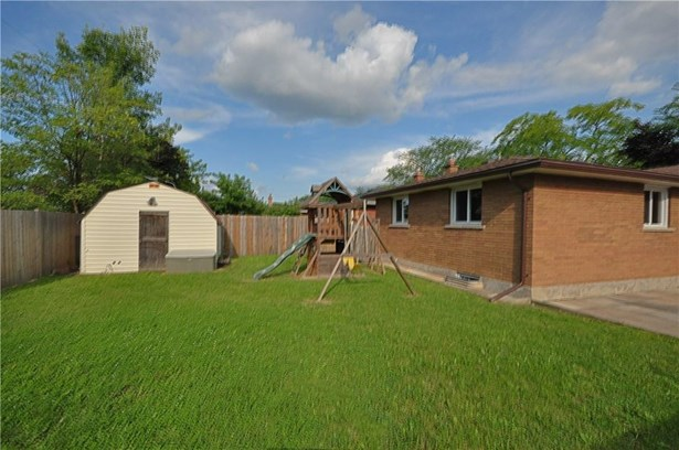 7 Regent Drive, St. Catharines, ON - CAN (photo 2)