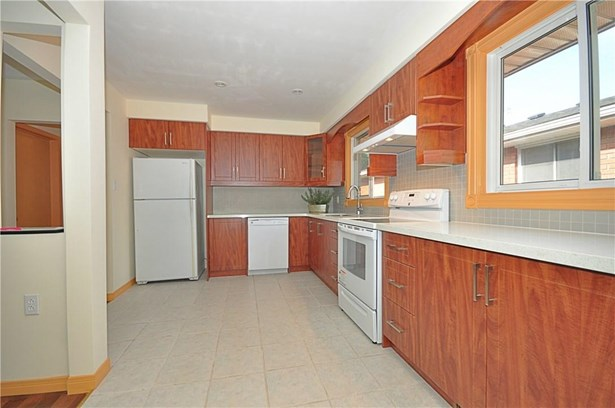 7 Regent Drive, St. Catharines, ON - CAN (photo 4)