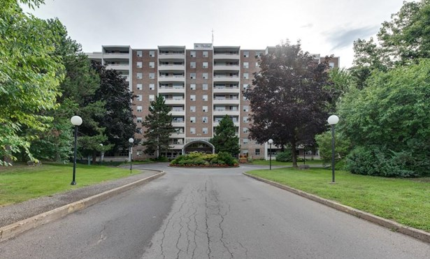 365 Geneva Street 810, St. Catharines, ON - CAN (photo 1)