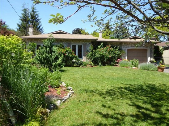 49 Spring Garden Boulevard, St. Catharines, ON - CAN (photo 1)