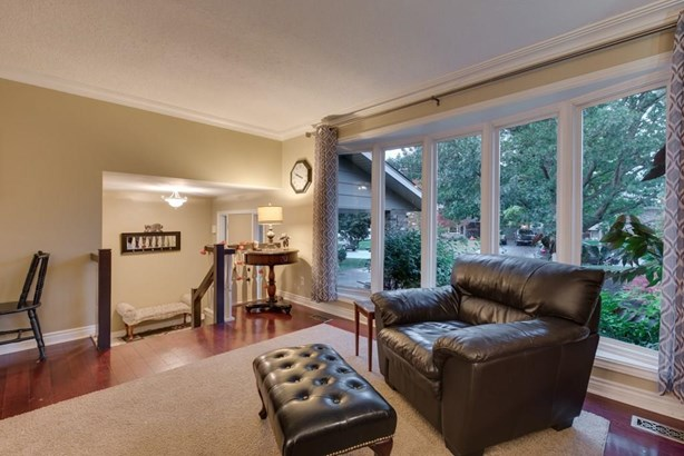 4 Vinemount Drive, Fonthill, ON - CAN (photo 4)