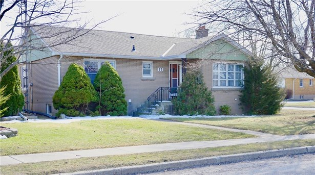 23 Broderick Avenue, Thorold, ON - CAN (photo 1)
