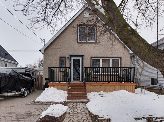 66 Chestnut Street E, St. Catharines, ON - CAN (photo 1)
