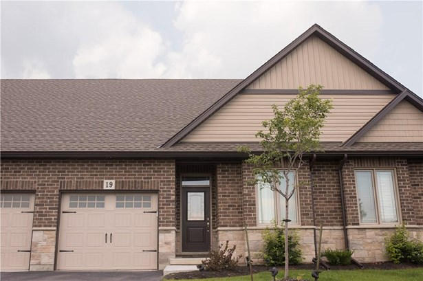 18 Olde School Court 1, St. Catharines, ON - CAN (photo 4)