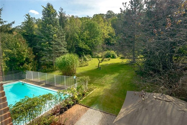 16 Sheppard Crescent, Niagara-on-the-lake, ON - CAN (photo 4)