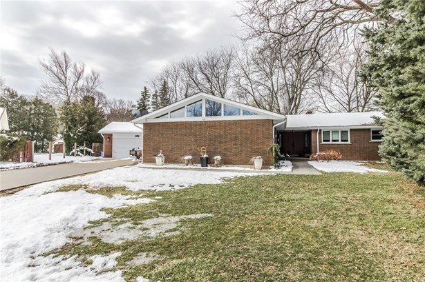 1 Erinbrook Crescent, St. Catharines, ON - CAN (photo 1)