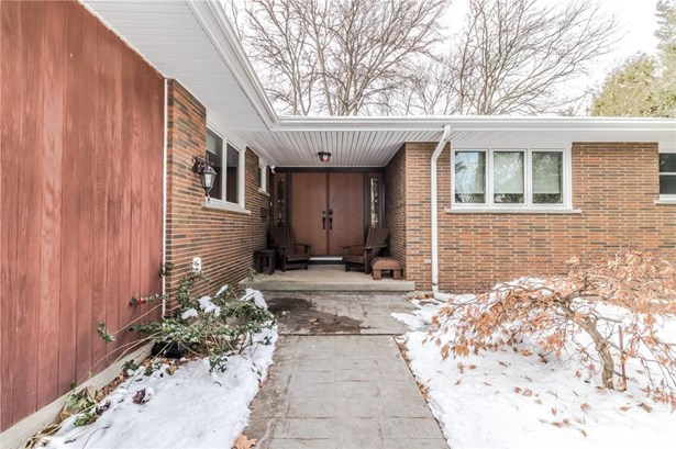 1 Erinbrook Crescent, St. Catharines, ON - CAN (photo 2)
